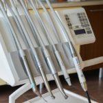 Zdrowe zęby – czyli jak dobrze dbać o swoje zęby