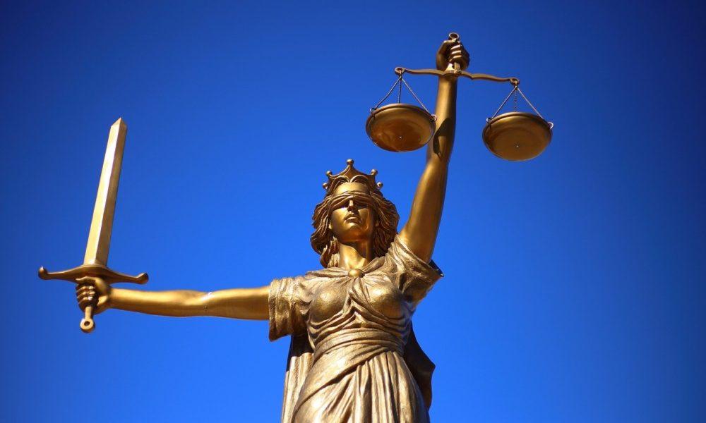 W czym umie nam pomóc radca prawny? W których kwestiach i w jakich płaszczyznach prawa wspomoże nam radca prawny?